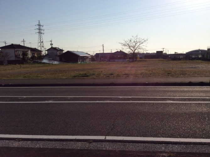 前面道路から新富町、宮崎市街へもアクセス可能