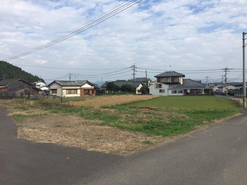 南東角地。地目は田です