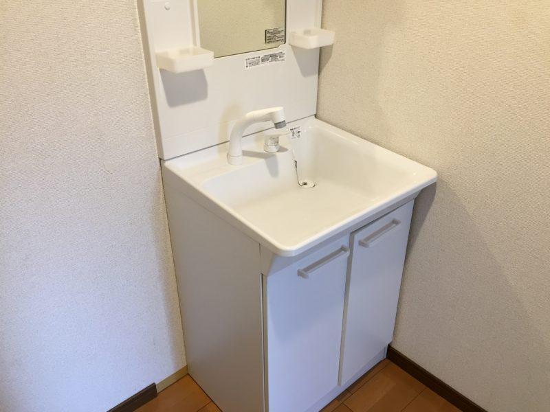 脱衣所にある洗面化粧台
